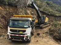 Excavator_dumptruck